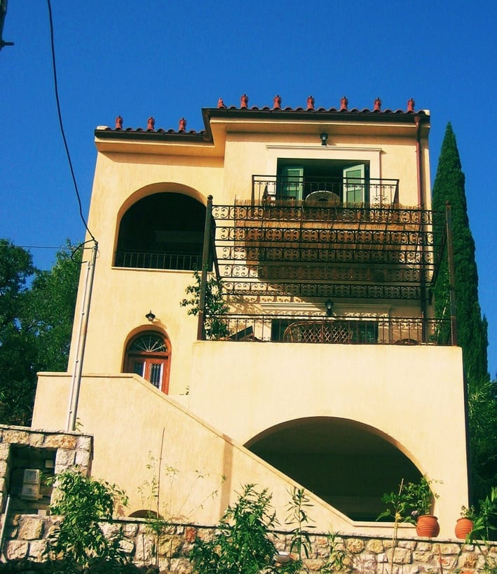 3 storey house for sale in Troianata